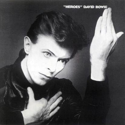 David Bowie, capa do álbum Heroes do artista gráfico Masayoshi Sukita. Foto: RCA.